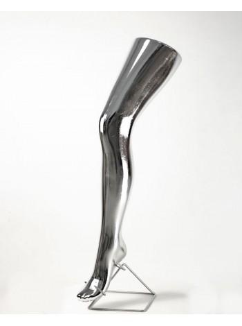 Манекен нога женская под колготу хромированная (платина)