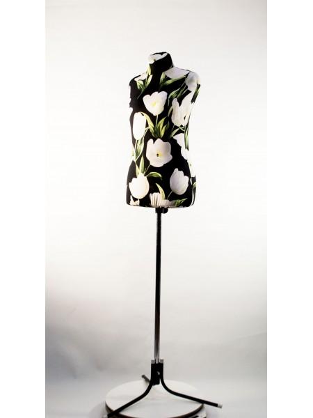 Манекен Любовь 44 дизайнерский в весеннем чехле с тюльпанами на  треноге повышенной устойчивости