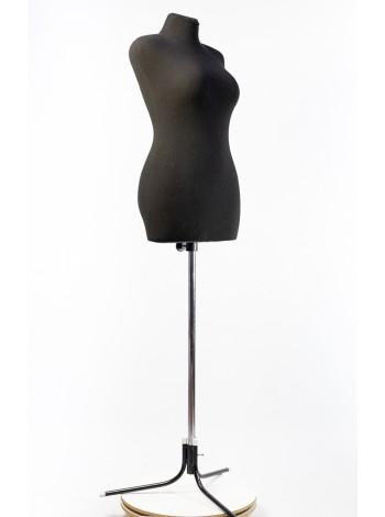 Манекен для шитья в черном чехле Любовь 46 с хром. треногой