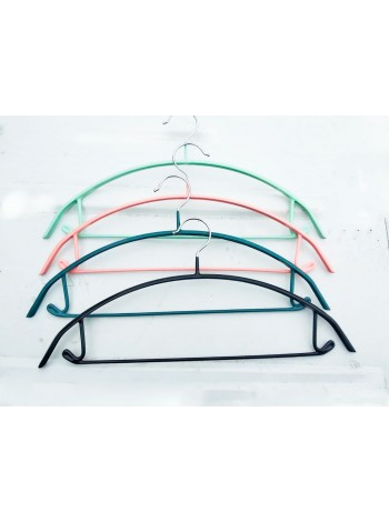 Плечики металлические широкие с несколзящим силиконовым покрытием 42см.